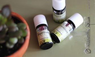 Essential oils: summer blends